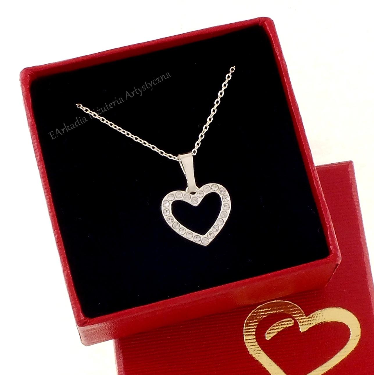 W superbly Naszyjnik z serduszkiem srebro 925 kryształy Swarovskiego® DT32